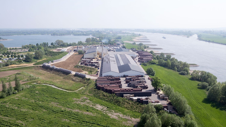 Luchtfoto van Steenfabriek Byland