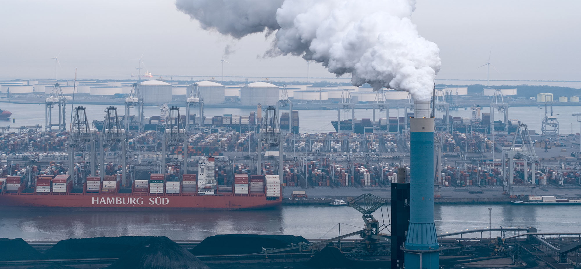 Luchtopnames van industriële bedrijven