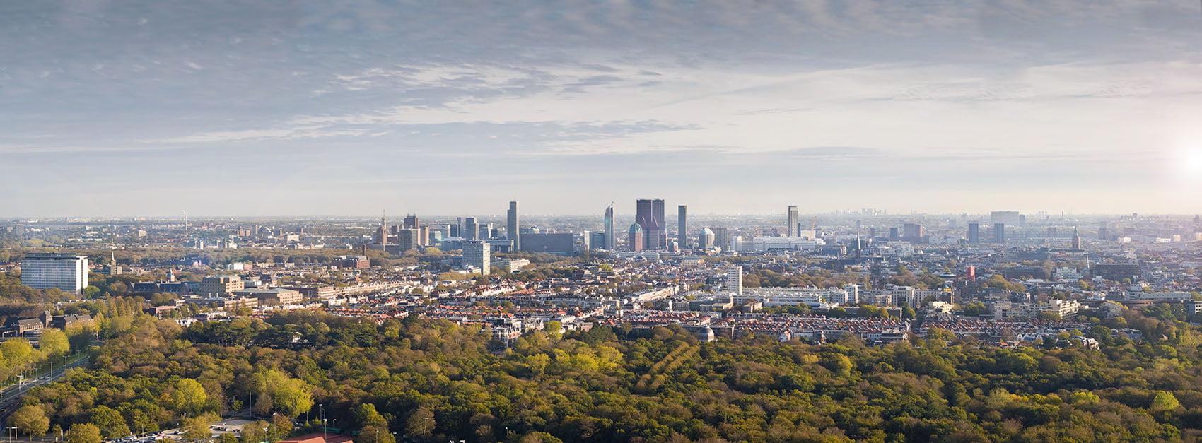 Skyline luchtfoto Den Haag