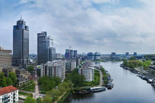 Luchtfoto Rembrandt toren Amsterdam & Amstel